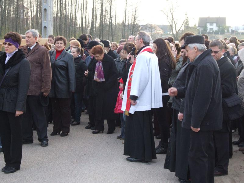 Droga krzyżowa ulicami Trzciannego i Zucielca (Stacja IV - rozważania ) - Niedziela Palmowa (2011-04-17)  - Ł. A. Wejda